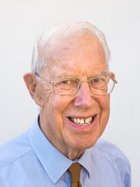 Dr Gordon Mungeam
